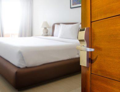 Avantages et inconvénients d'un hébergement à l'hôtel